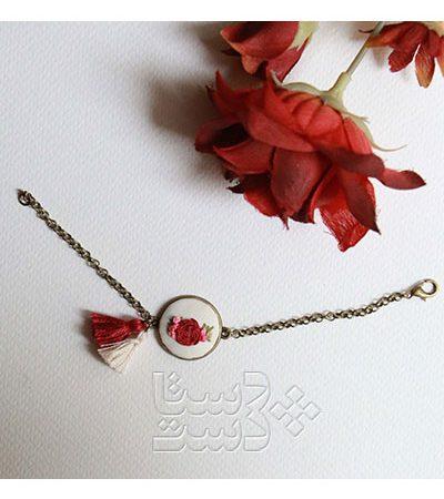 دستبند گلدوزی شده