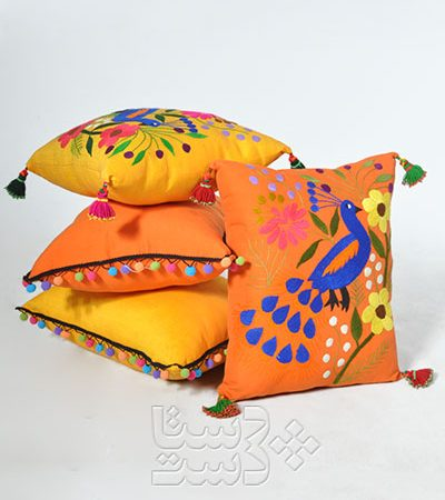 کوسن بخارادوزی شدهطرح طاووس